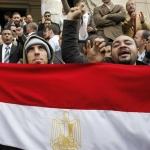 Egitto: i disordini spingono Moddy's e Standard and Poor's a tagliare il rating