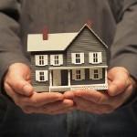Unicredit: per le famiglie in affanno trasformati i mutui in affitti