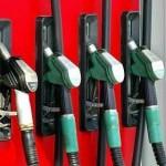 La domanda di carburante statunitense cala mentre cresce quella mondiale