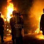 Grecia, approvato piano austerity. Proteste disperate in piazza
