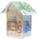 Effetto Imu, crollano prezzi case. Italiani comprano più all'estero