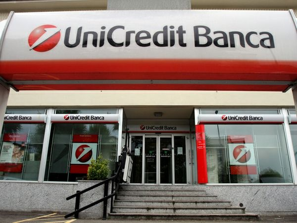 Unicredit cede quota FonSai. Deutsche Bank declassa titolo