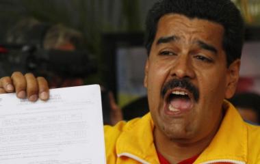 Venezuela, Maduro dichiara guerra al contrabbando con la Colombia