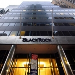 Fondo americano BlackRock sale oltre 5% di Intesa